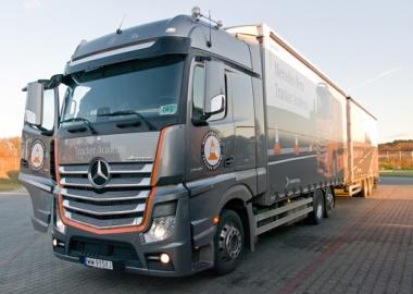 Wir haben den viertägigen Trainingszyklus der Mercedes-Benz Trucker Academy abgeschlossen.
