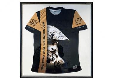 Wir arbeiten  für einen guten Zweck – Versteigerung eines Weltmeister-T-Shirts